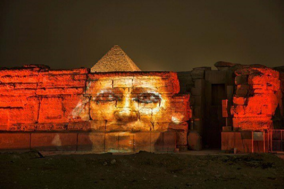 sound and lights show at pyramids